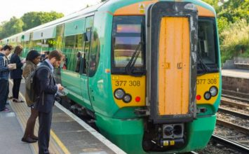Strike dates announced as Southern Rail staff announce walk out