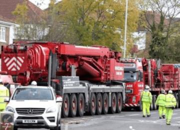Crane arrives at Croydon crash scene to take away wreckage