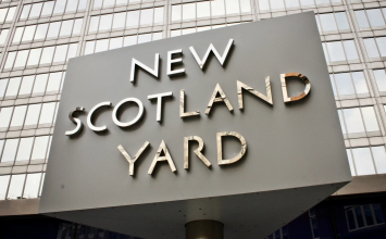 "Serving Met officer sacked after trying to start ""inappropriate relationship"""