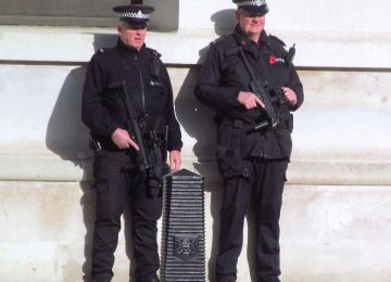 New Year: Armed police on the tube for the first time