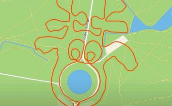 A jogger has drawn Christmas artwork in London park using running app